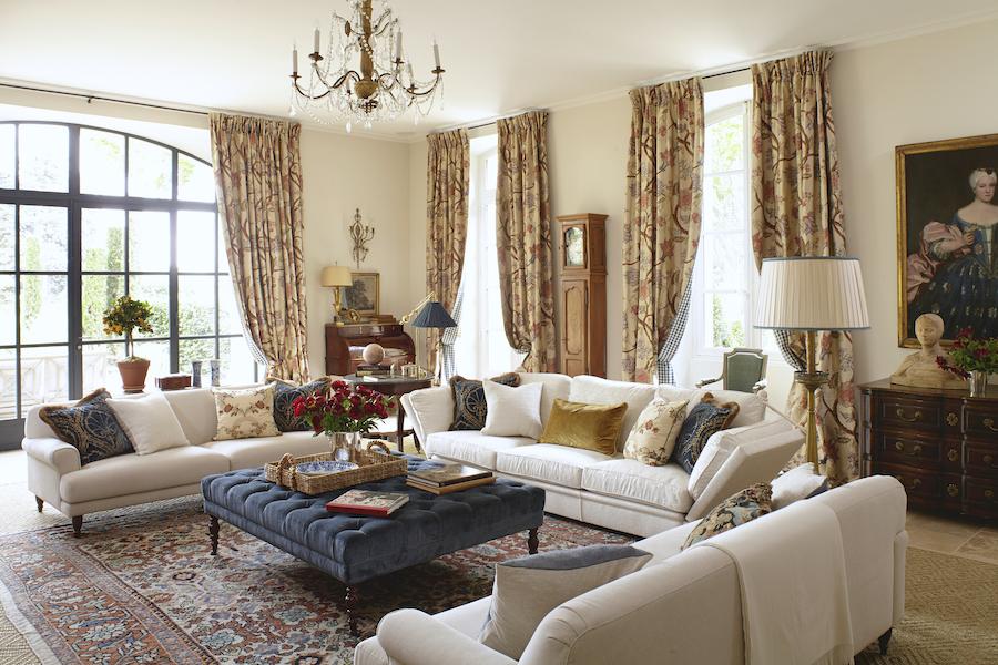 Le mas des poiriers living room