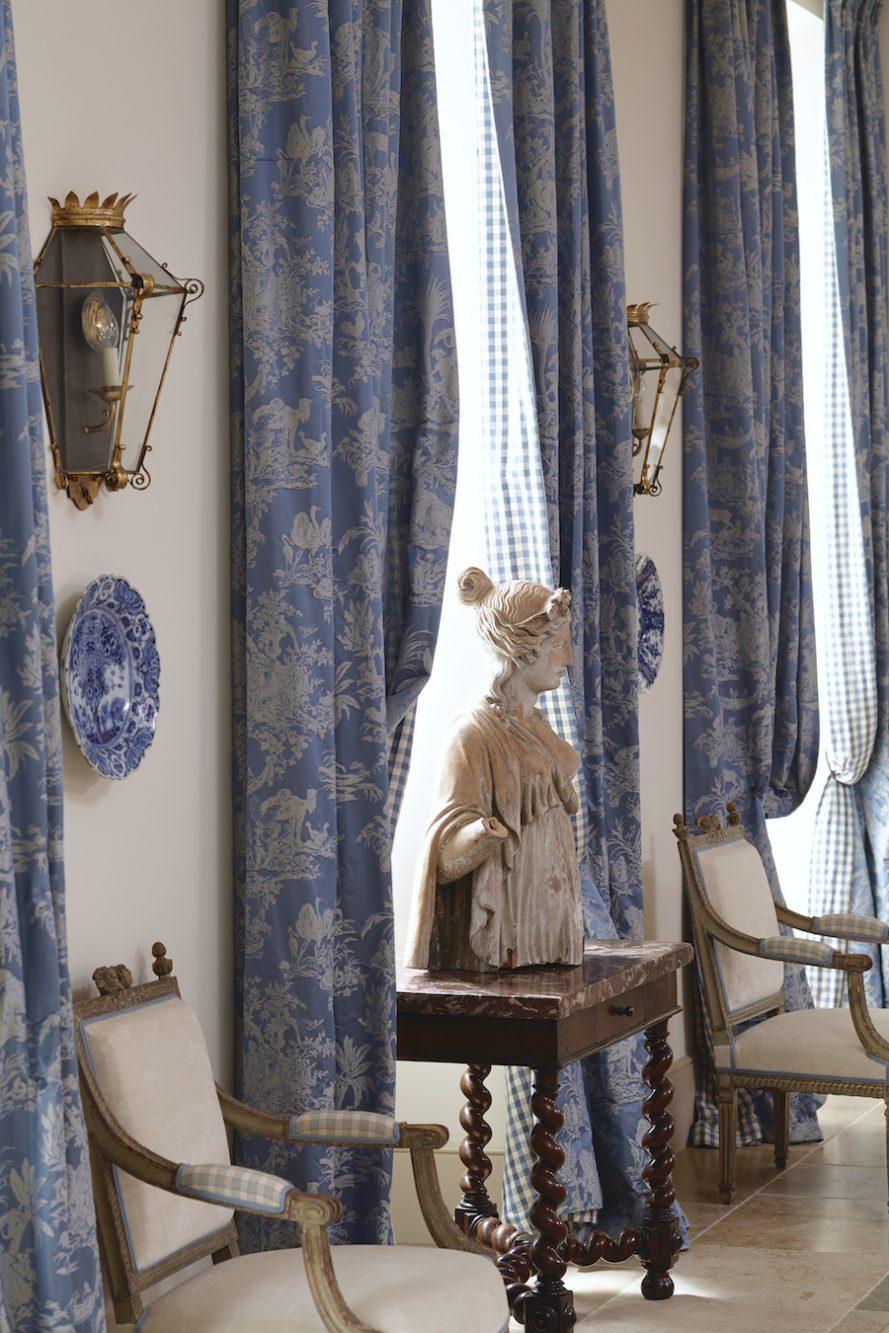 Le mas des poiriers dining room